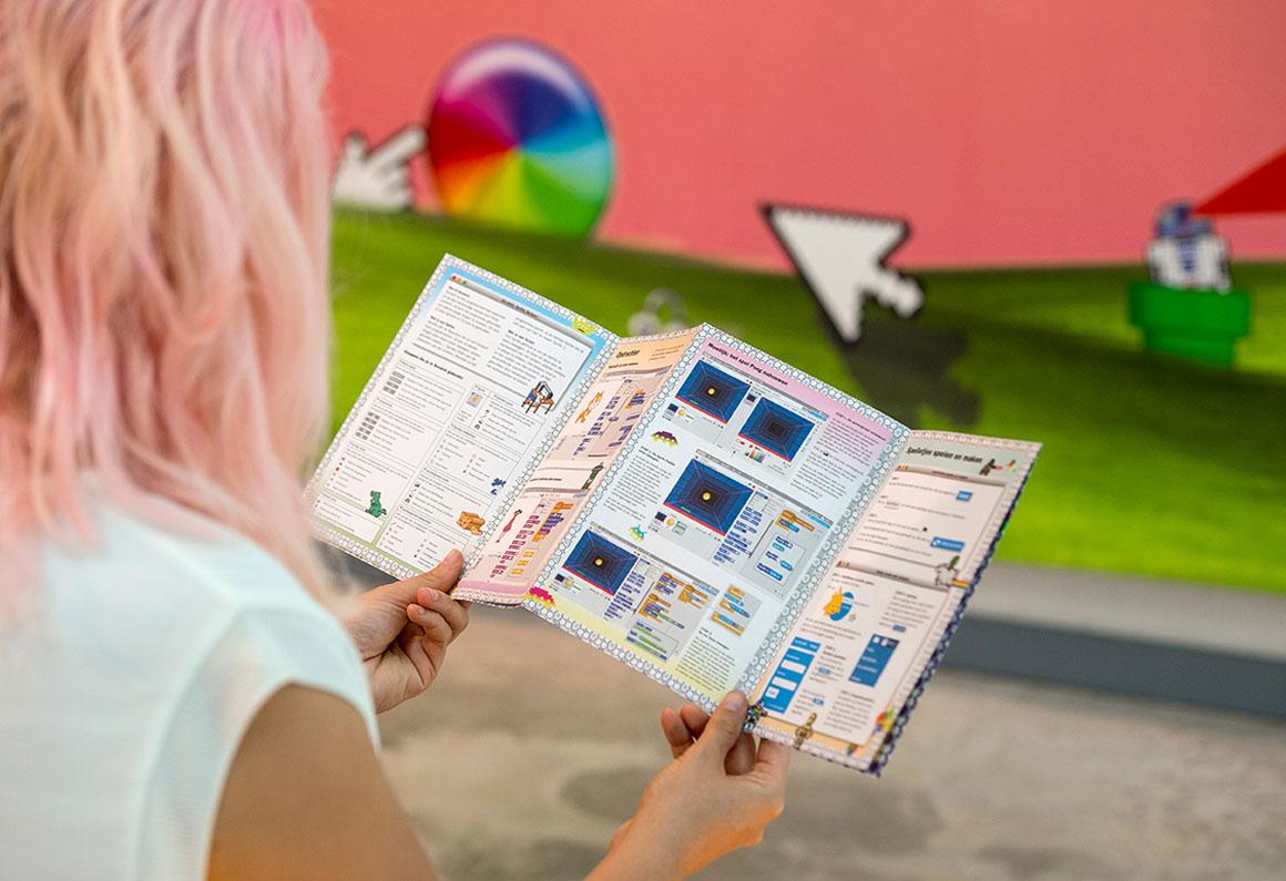 De creatieve code, moti, graphic design, museum, DDD Dana Dijkgraaf